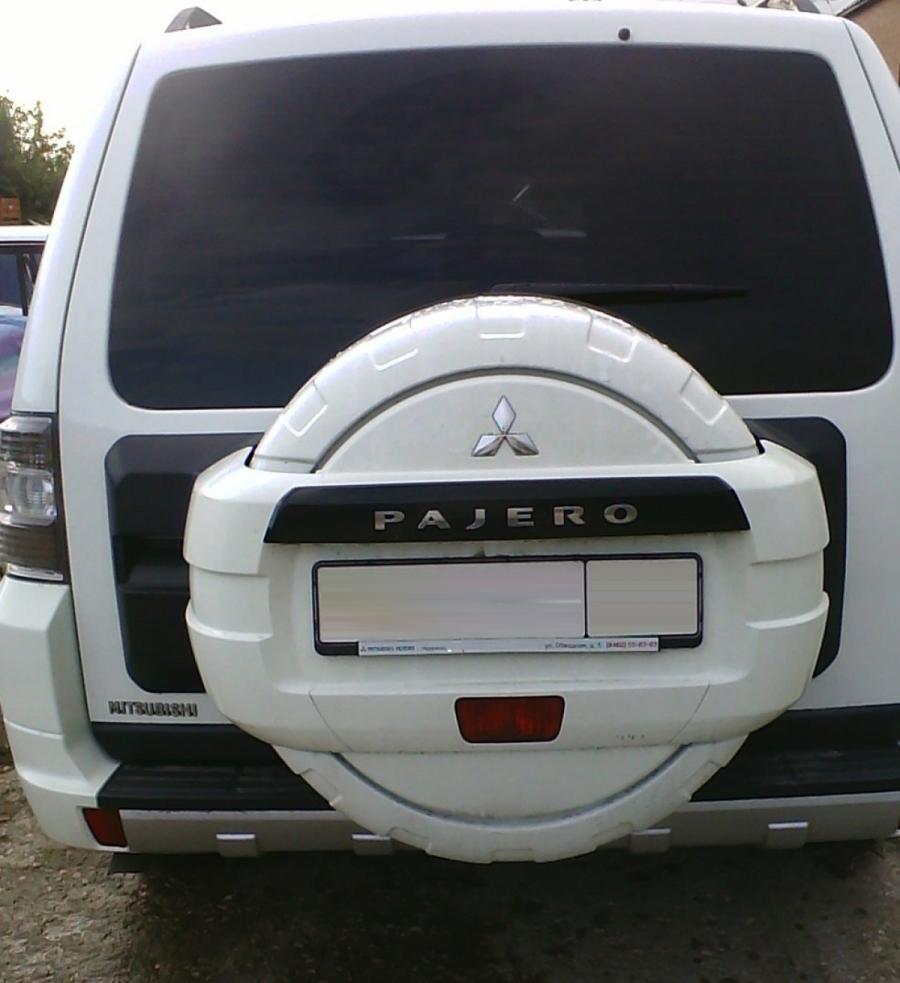 Пластиковый бокс запасного колеса Mitsubishi PAJERO 4