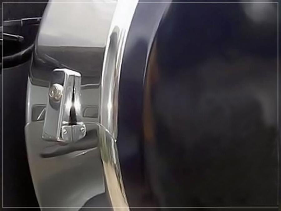 Бокс запасного колеса Шевроле Нива
